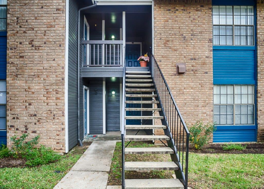 River Oaks Apartments Muskin Commercial